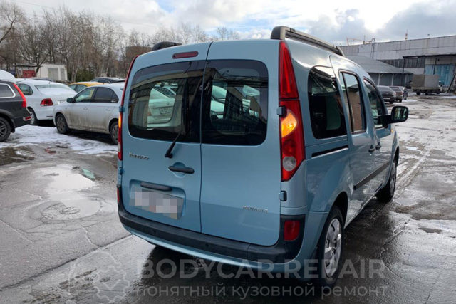 Кузовной ремонт Renault Kangoo с заменой дверей и восстановлением крыши